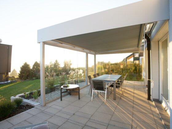 Neutral gestaltete Terrasse - so machen Sie Ihre Immobilie verkaufsfit